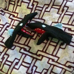 Vintage Hand Knit Shark Novelty Mittens S / M